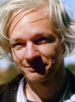 http://noricus.files.wordpress.com/2010/12/julian_assange.jpg